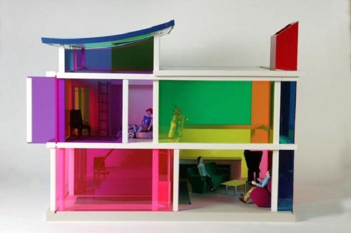 Кукольный дом 2001 года: Kaleidoscope House.