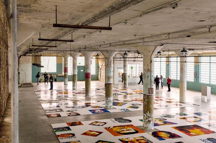 Тюрьма Алькатрас стала выставочными залами для работ китайского художника.