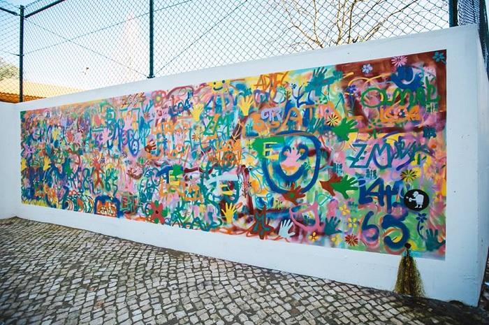 Граффити, нарисованное пенсионерами.