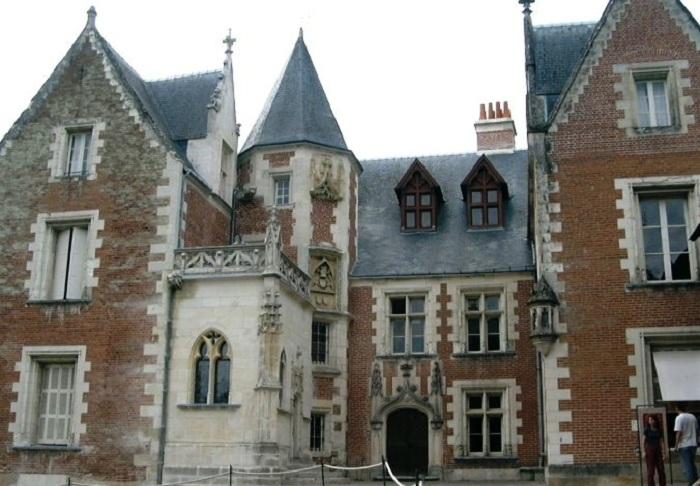 Замок Клу (Кло-Люсе), место смерти Леонардо. | Фото: ru.wikipedia.org.