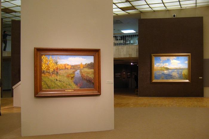 Картины «Золотая осень» в 2010 году в Государственной Третьяковской галерее. | Фото: ru.wikipedia.org.
