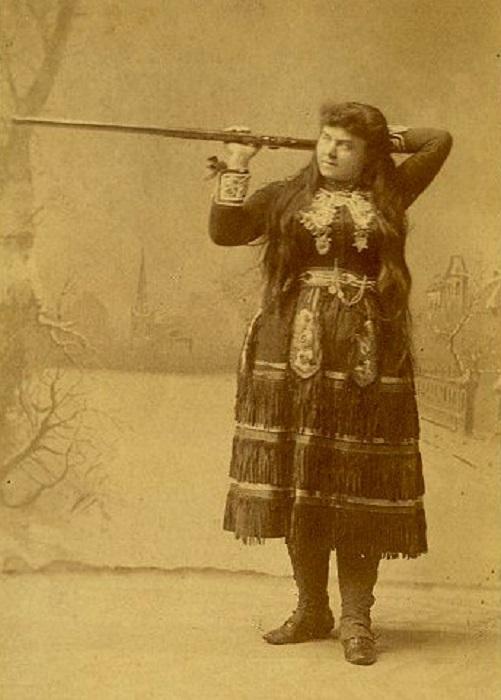 Лиллиан Смит в образе индианки Веноны. | Фото: kondazian.com.