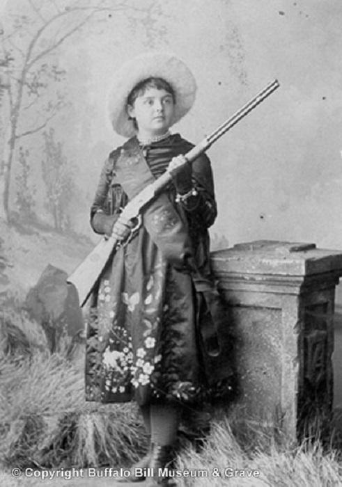 Лиллиан Смит: лучшая девушка-стрелок Дикого Запада. | Фото: alchetron.com.