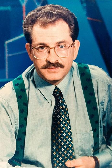 Владислав Листьев тележурналист, телеведущий, глава телеканала ОРТ. | Фото: vignette2.wikia.nocookie.net.