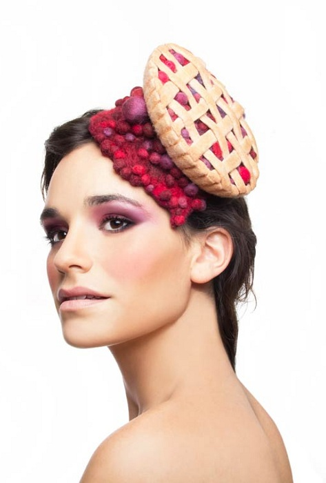 Шляпка дизайнера Маору Zabar.