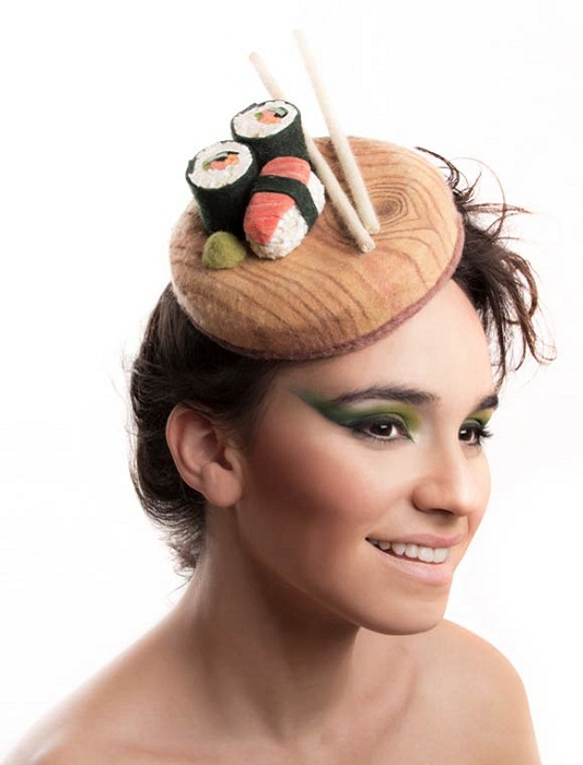 Шляпка в виде суши.