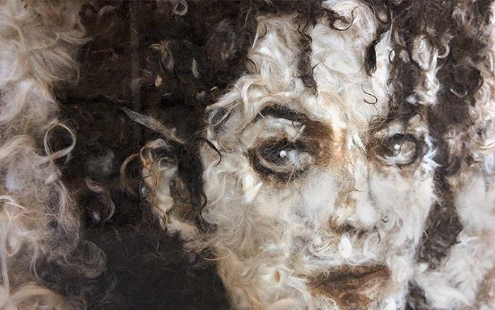 Портрет, сделанный из собачьей шерсти.
