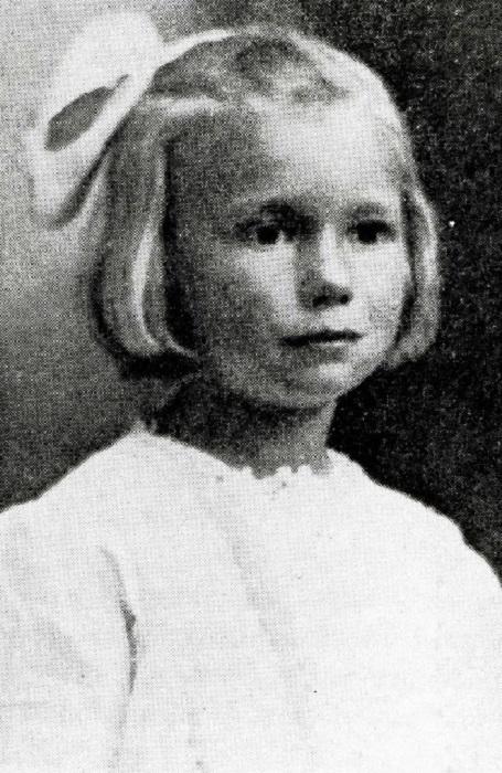 Шарлотта Мэй Персторф - самая знаменитая девочка, которую переслали по почте.   Фото: vintag.es.