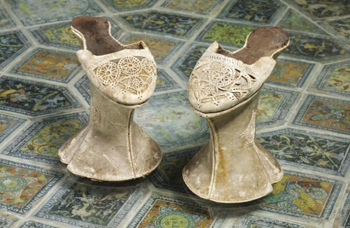 Обувь на платформе (Венеция, 15-17 века.)
