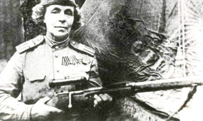 Женщина-снайпер Нина Петрова. | Фото: smsport.ru.