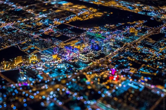 «Город Греха» - Лас Вегас с высоты птичьего полета.