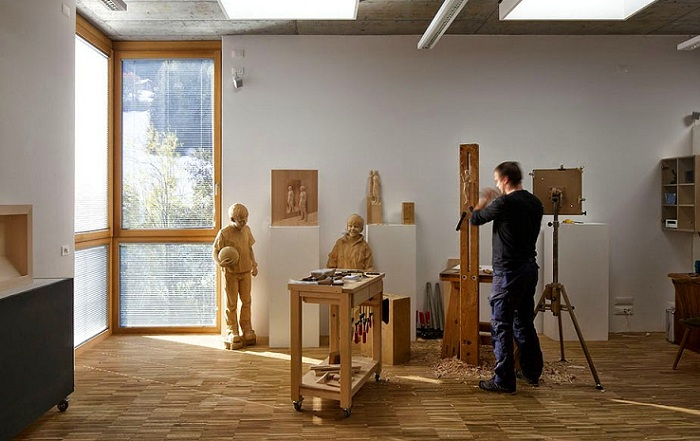 Мастерская скульптора Peter Demetz.