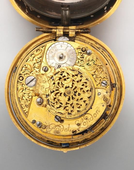 Карманные часы - настоящее произведение искусства, 1740 год. | Фото: fiveminutehistory.com.