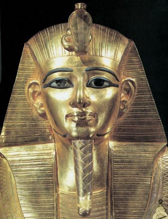 Маска фараона Псусеннеса I. | Фото: artehistoria.com.