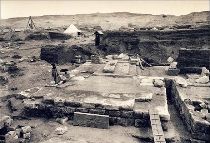 Раскопки в Танисе, 1942 год. | Фото: i0.wp.com.