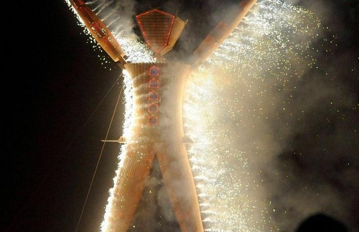 28-й фестиваль неформального искусство «Burning Man 2014».