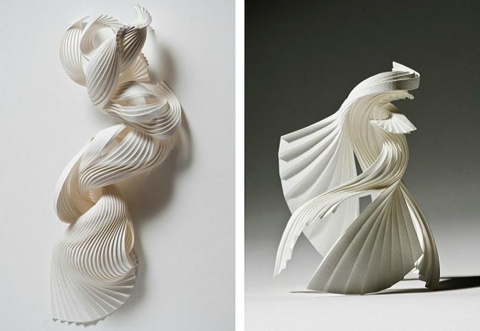 Плиссированные скульптуры из бумаги.