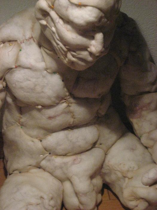 Жутковатые искаженные силуэты от голландского скульптора.