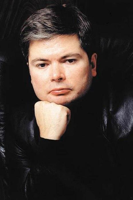 Журналист, президент издательского холдинга «Совершенно секретно» Артем Боровик. | Фото: worldrusnews.ru.