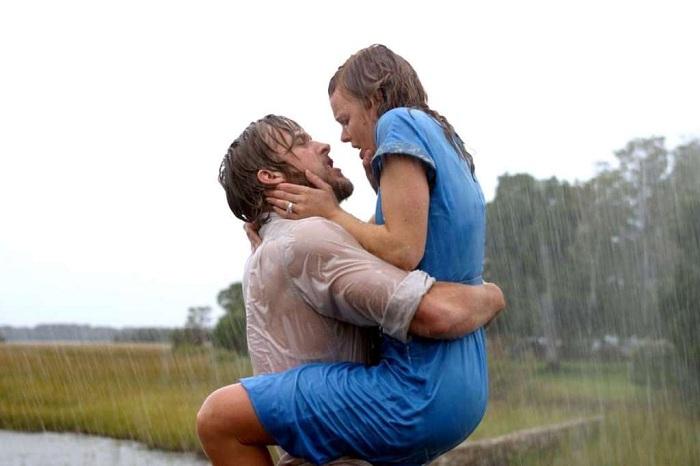 Страстный поцелуй. Актеры: Рэйчел МакАдамс, Райан Гослинг.
