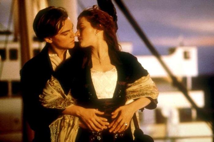 Актеры: Кейт Уинслет, Леонардо Ди Каприо.