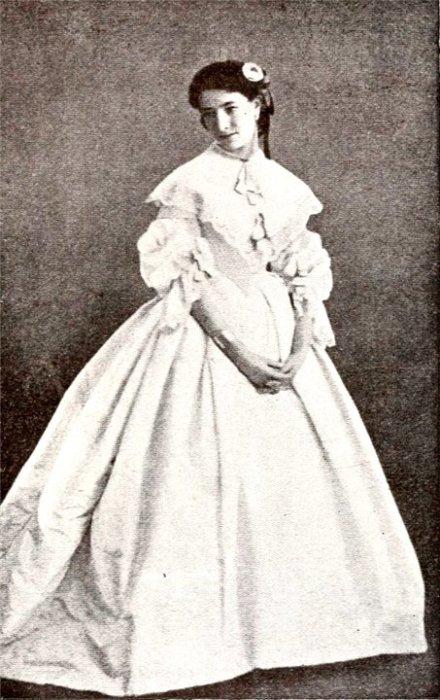 Сара Бернар после дебюта в театре (1863). | Фото: s018.radikal.ru.