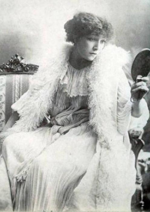 Sarah Bernhardt - актриса, исполнявшая и женские, и  мужские партии. | Фото: liveinternet.ru.