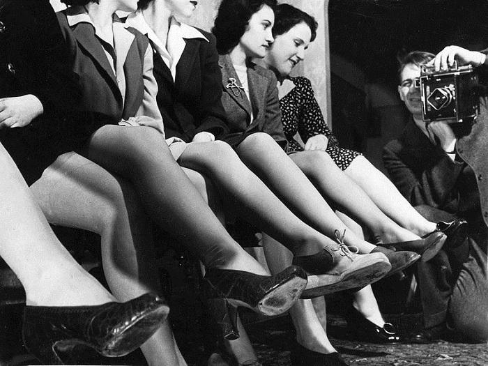 Вторая мировая война заставила американок брить ноги. | Фото: diddlybop.ru.