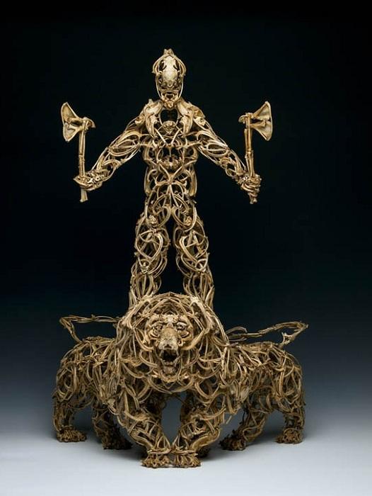 Мифологические существа, сделанные из костей животных.