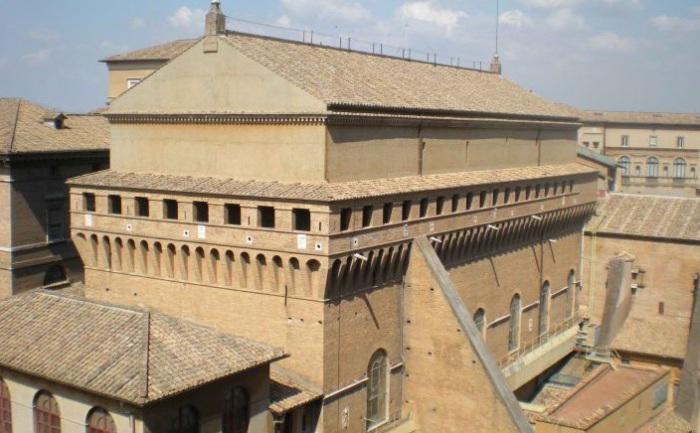 Сикстинская капелла изначально была оборонительным сооружением.   Фото: hexapolis.com.