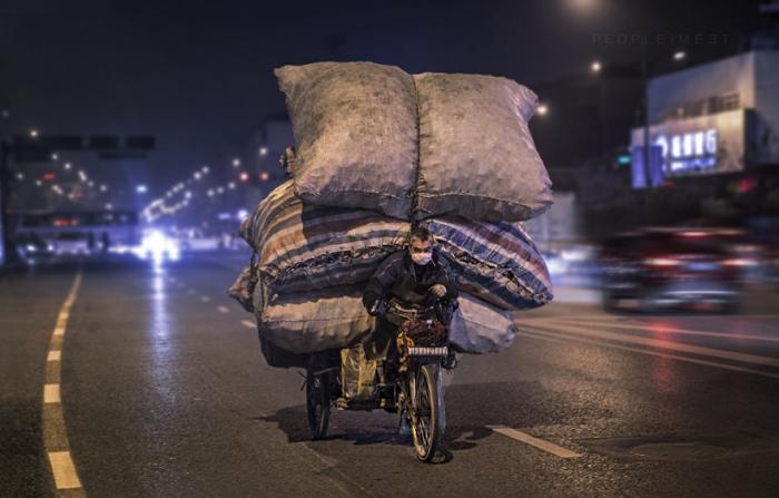 Велосипедист в Ханчжоу.