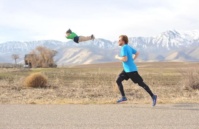 Ребенок с синдромом Дауна познает радости жизни в «полете».