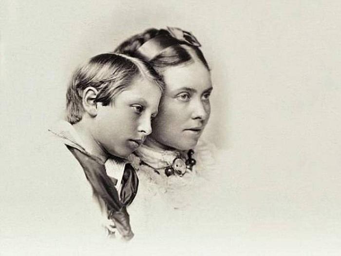 Вильгельм II с матерью Викторией Великобританской. | Фото: allday.com.
