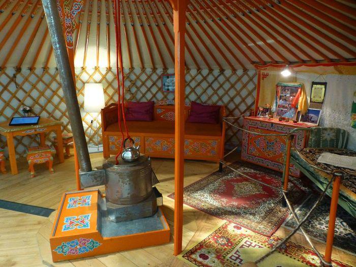 Монгольская юрта в Музее человека, Париж. | Фото: commons.wikimedia.org.