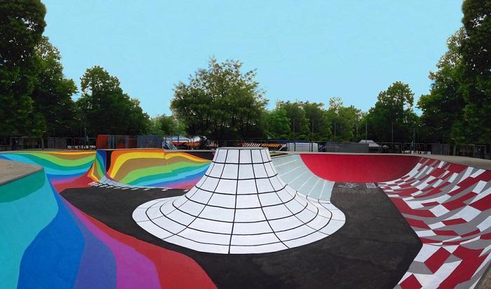 Скейт-площадка - солнечные часы.