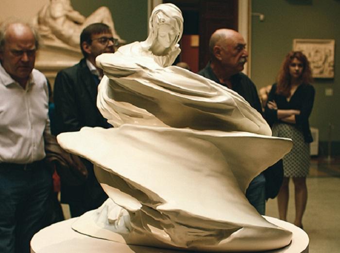 Пьета Микеланджело в прочтении Вима Дельвуа.