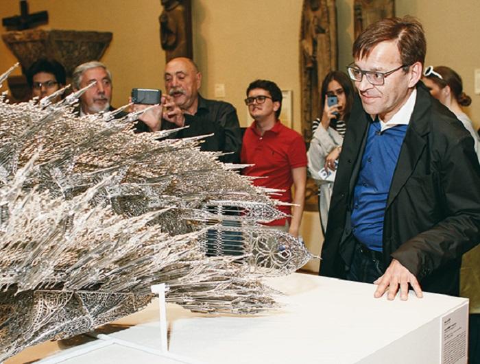 Скульптура Вима Дельвуа.