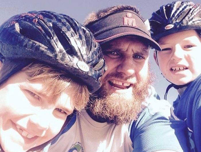 Alistair Campbell со своими детьми.