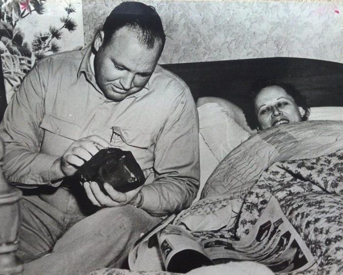 Энн Ходжес - женщина, в которую попал метеорит.   Фото: oldpicz.com.