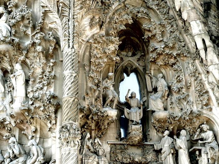 Temple Expiatori de la Sagrada Familia. Фасад здания.   Фото: tourism-spot.com.