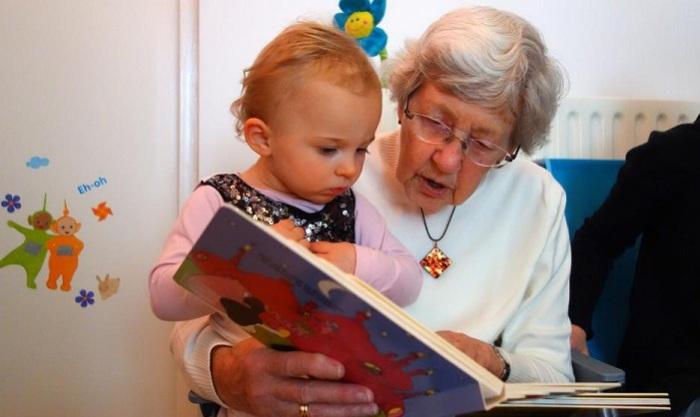 В Турции решили платить бабушкам зарплату за уход за внуками. | Фото: orehovozuevo-24.ru.