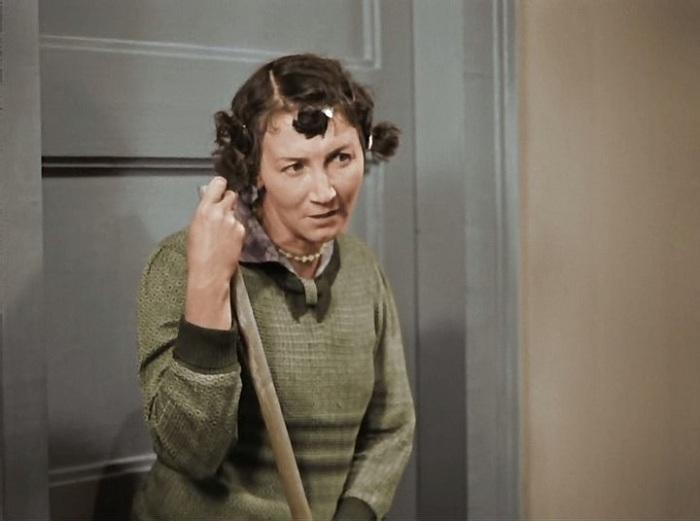 Ариша - домработница в исполнении Рины Зеленой («Подкидыш», 1939 г.)| Фото: dailyculture.ru.