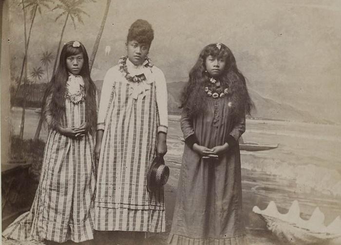 Как выглядели гавайские девушки в конце 19 века.