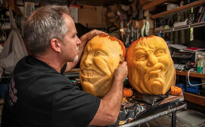 Реалистичные образы из тыкв к празднику Halloween.