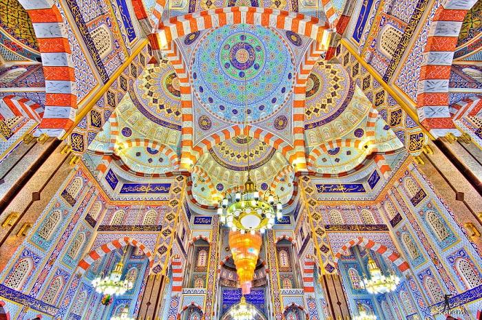Потолок в иракской мечети.