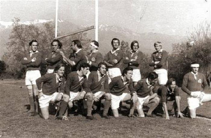 Команда по регби, которая попала в аварию в 1972 году.