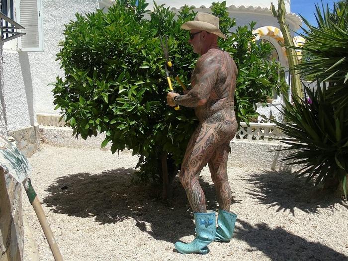 Рэй Хоутон демонстрирует свое татуированное тело. | Фото: swns.com.