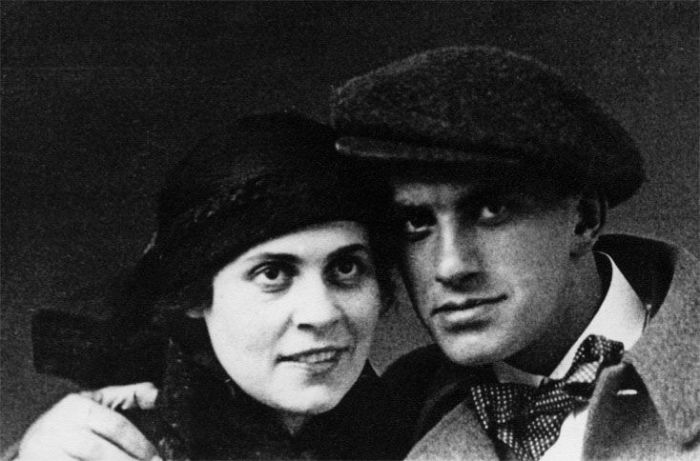 Лиля Брик и Владимир Маяковский. | Фото: vginekolog.ru.