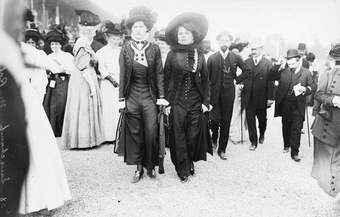 Инновационные платья начала 20 века.