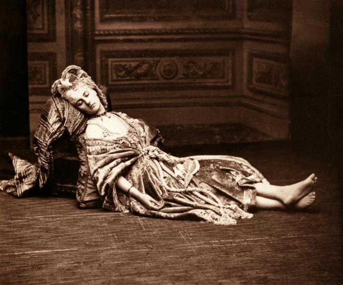 Спящая графиня. Фотография 1867 года. | Фото: 3otiko.blogspot.com.